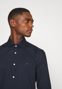 Tommy Hilfiger Tailored - SLIM FIT - Formal shirt - blue - 3