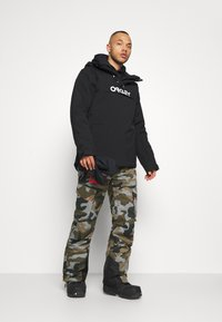 Oakley - INSULATED ANORAK - Snowboard jacket - blackout - 1