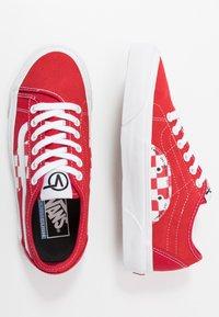 Vans - BESS  - Skate shoes - red/true white - 1