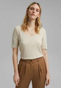 Esprit - Basic T-shirt - light beige - 0