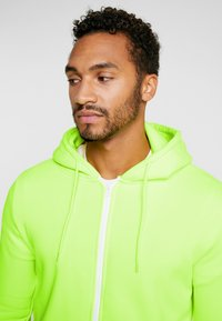Brave Soul - MAGENTA - veste en sweat zippée - neon yellow - 3