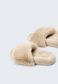 OYSHO - Pantofle - beige - 2