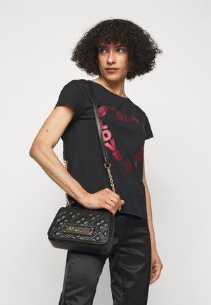 TOP HANDLE QUILTED CROSS BODY - Sac à main - nero