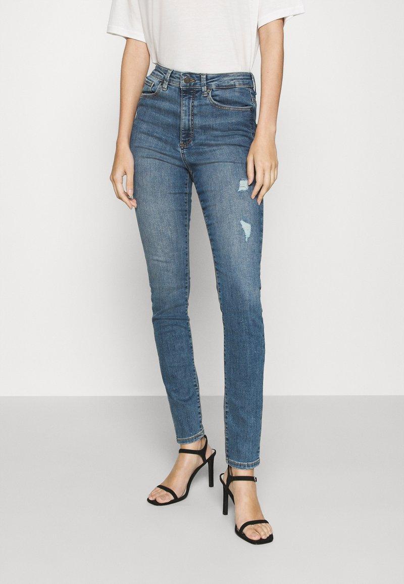 Vero Moda - VMSOPHIA DESTROY - Jeans Skinny Fit - medium blue denim