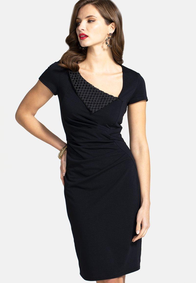 HotSquash - Shift dress - black