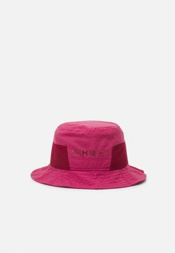 CAP BUCKET UNISEX - Hat - sweet beet/team red