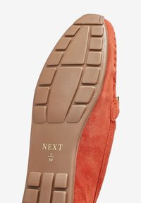 Next - HARDWARE DRIVER  - Moccasins - red - 4