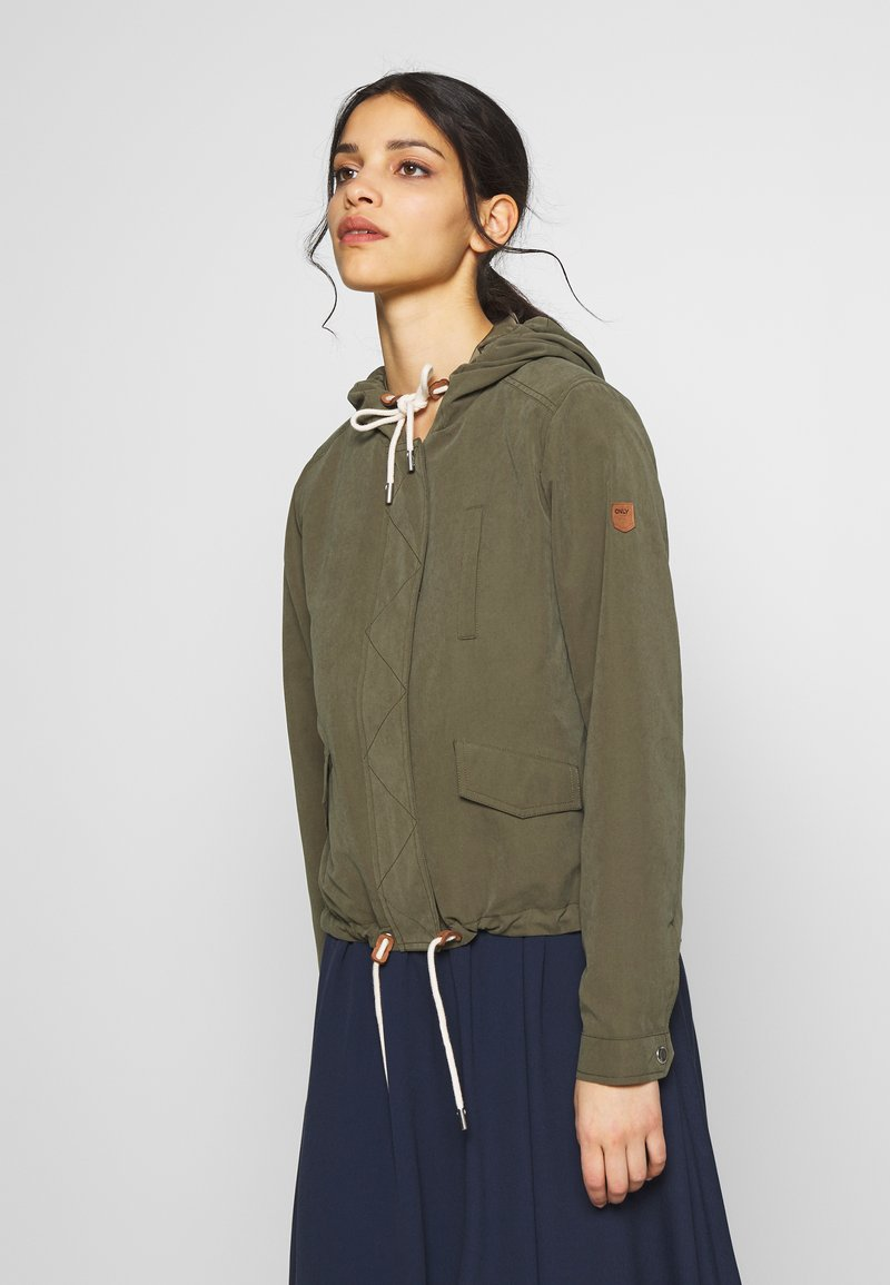 ONLY Petite - ONLNEW SKYLAR SPRING JACKET - Summer jacket - kalamata