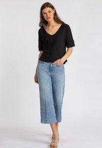 Lanius - Basic T-shirt - black - 1