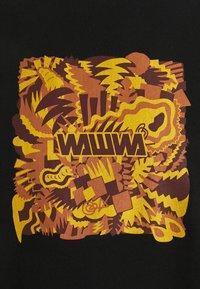 WAWWA - JUNGLE LOGO UNISEX - Print T-shirt - black - 2