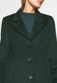 Selected Femme - SLFSASJA COAT - Klasický kabát - green gables - 5