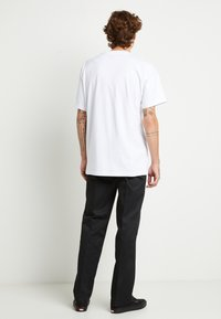 Dickies - PORTERDALE POCKET - Basic T-shirt - white - 3
