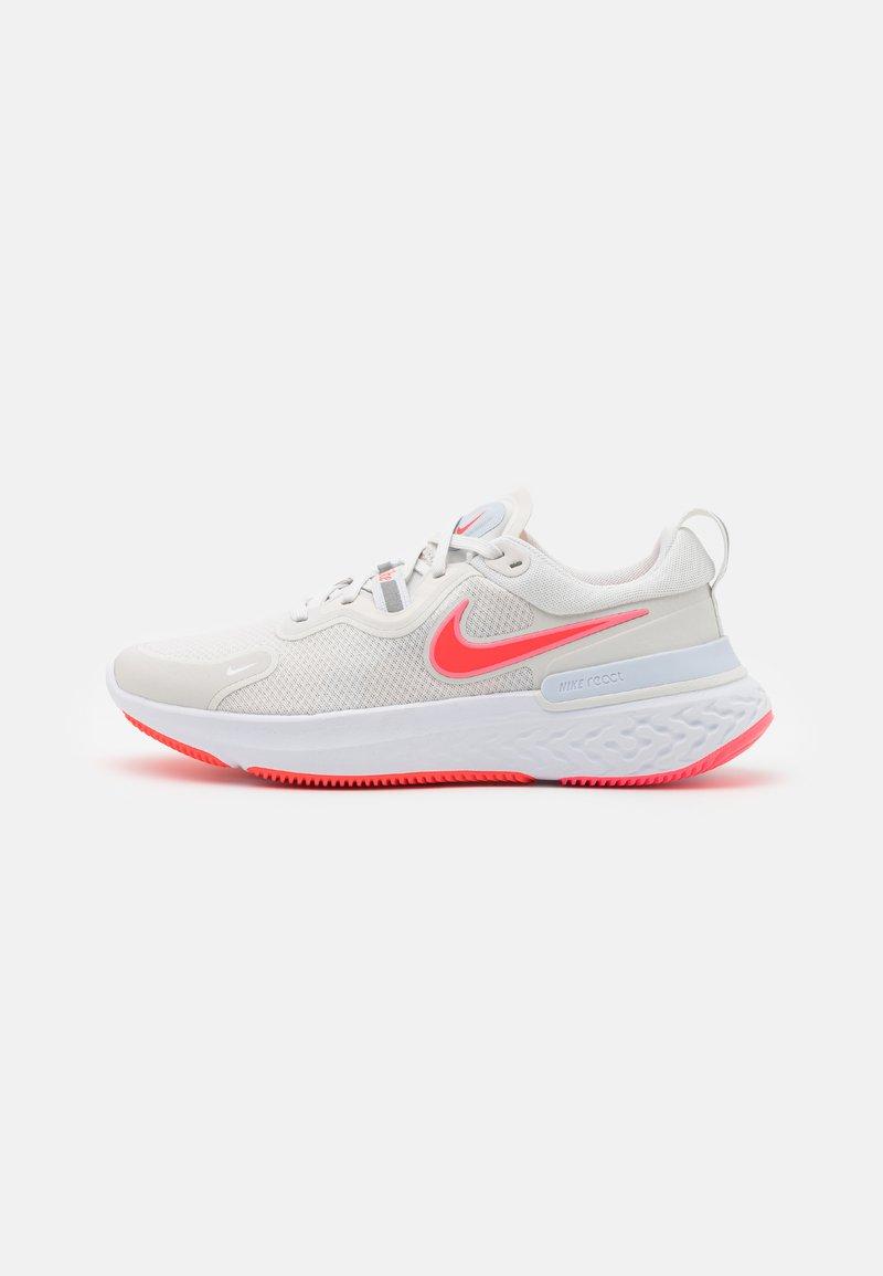 Nike Performance - REACT MILER - Neutral running shoes - platinum tint/bright crimson