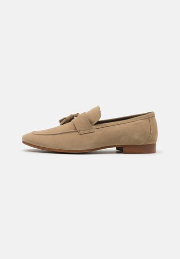 VESPA TASSEL LOAFER