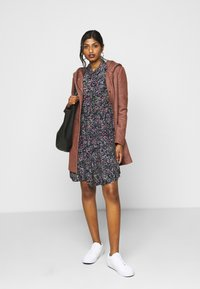 Vero Moda Petite - VMLISSY SHORT DRESS - Day dress - dark blue - 1
