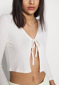 Topshop - COSY BRUSHED RIB  - Langærmede T-shirts - winter white - 5
