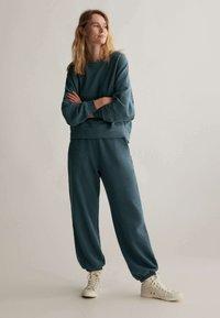 OYSHO - Sweatshirt - dark blue - 1