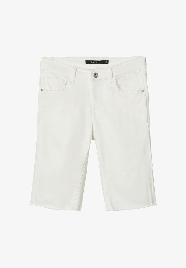 BIKER - Shorts vaqueros - white denim