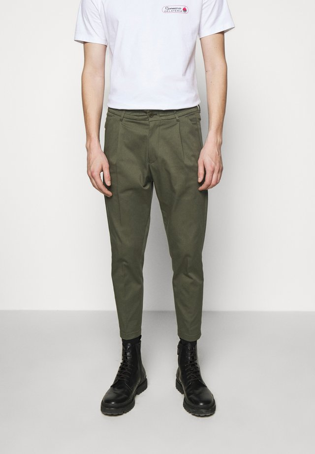CHASY - Chinos - mottled olive