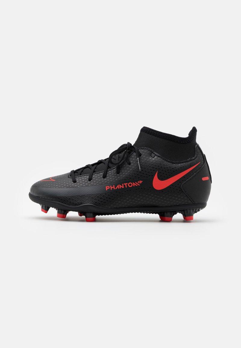 Nike Performance - JR PHANTOM GT CLUB DF MG UNISEX - Kopačky lisovky - black/chile red/dark smoke grey