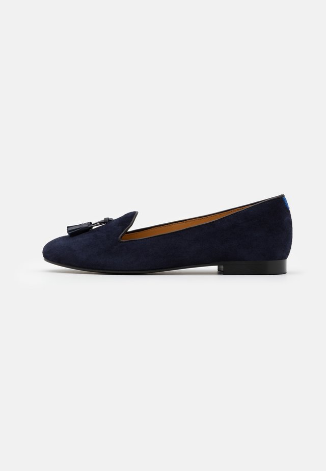 CLASSIC - Loaferit/pistokkaat - navy blue
