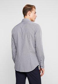 Seidensticker - SLIM FIT - Zakelijk overhemd - dark blue - 2