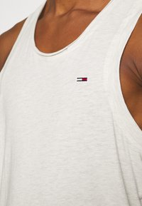 Tommy Jeans - RACER BACK TANK - Top - white - 4