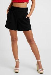 ONLY Petite - ONLNICOLE ELASTIC PAPERBACK - Shorts - black - 0