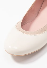 Pretty Ballerinas - SHADE - Ballet pumps - offwhite/coco - 2
