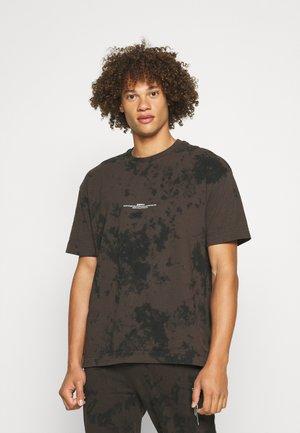 BLEACHWASH UNISEX - T-shirt print - brown