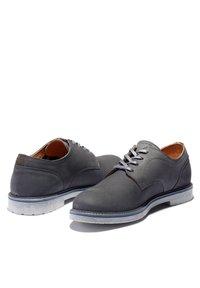 Timberland - OAKROCK LT OXFORD - Casual lace-ups - dark grey nubuck - 3