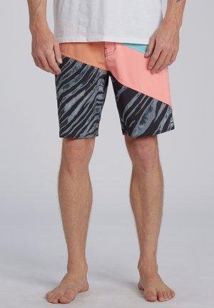 T-STREET PRO  - Swimming shorts - neon melon