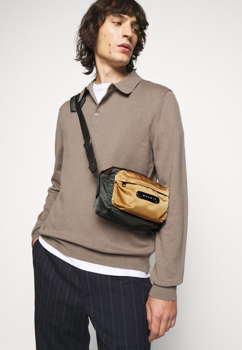 Marni - Across body bag - anthracite/chestnut/dune