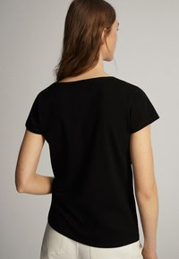 Massimo Dutti - Basic T-shirt - black - 8