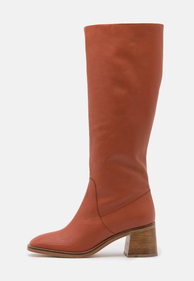 CAROLINE - Boots - brique