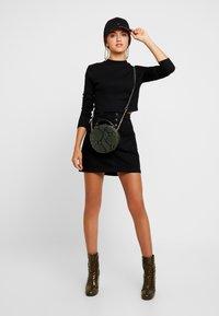 Hollister Co. - BLACK SKIRT - Denimová sukně - black - 1