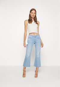 Calvin Klein - HIGH RISE SKINNY  - Široké džíny - light-blue denim - 1