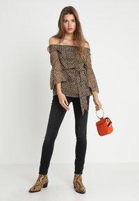 Selected Femme - SLFIDA WASH - Jeans Skinny Fit - black denim - 1