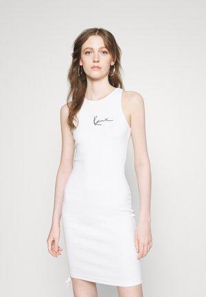 SMALL SIGNATURE GATHERED DRESS - Shift dress - white
