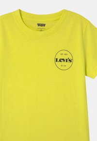 Levi's® - GRAPHIC - T-shirt con stampa - limeade - 2
