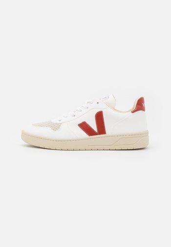 V-10 - Sneakers basse - white/rouille