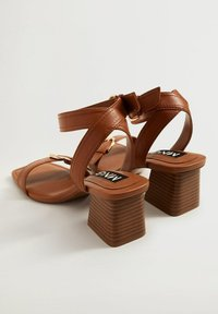 Mango - MORE - Sandals - halvbrun - 2