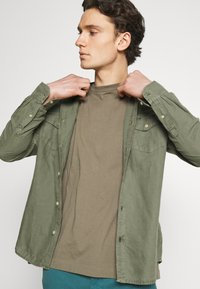 AllSaints - MUSICA CREW - Basic T-shirt - willow taupe - 4