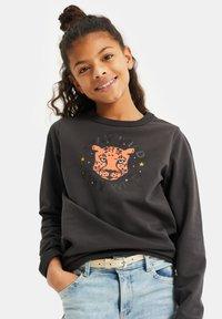 WE Fashion - NORMAL FIT - Sweatshirt - black - 1