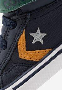 Converse - PRO BLAZE STRAP - High-top trainers - obsidian/midnight clover/saffron yellow - 2