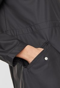 Vero Moda - VMSHADY COATED JACKET PI - Parka - black - 4