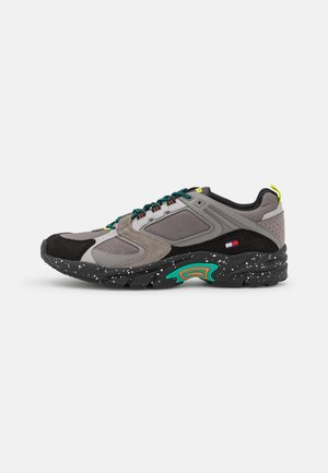 ARCHIVE MIX RUNNER - Trainers - pewter grey