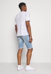 Pepe Jeans - CASH SHORT - Denim shorts - light blue - 2