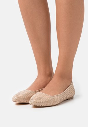 Ballet pumps - off white