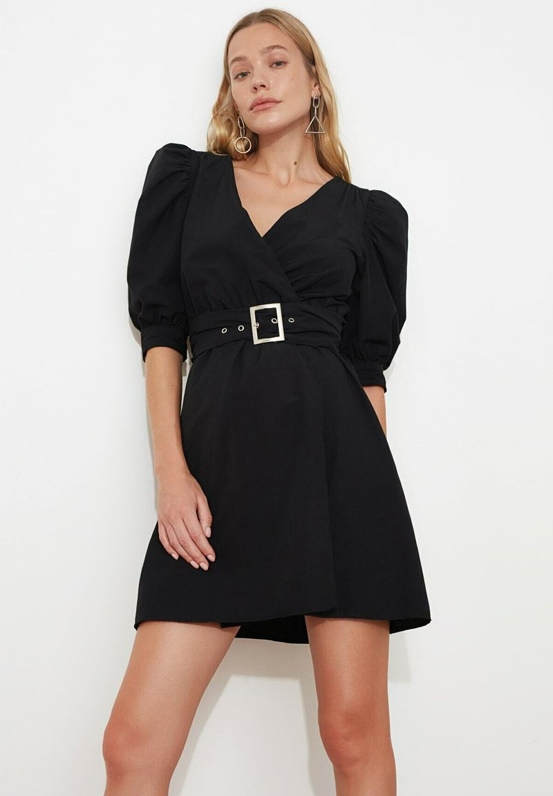 Trendyol - Sukienka letnia - black